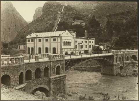 Foto storica della centrale idroelettrica di El Chorro.