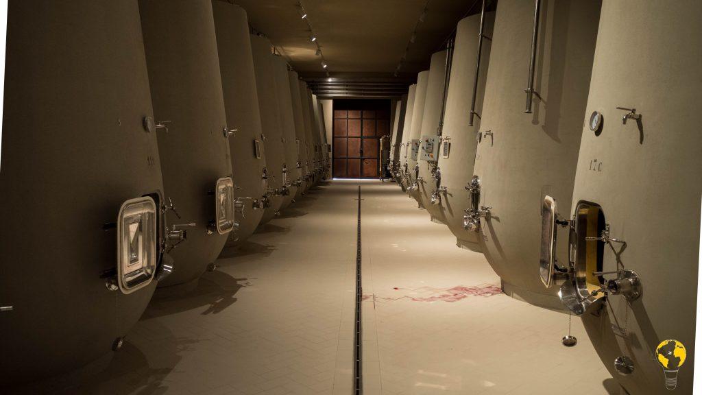 Sala della fermentazione in vasche di cemento